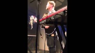 David Cook-Fade Into Me (Band cheering & Audience singing)-