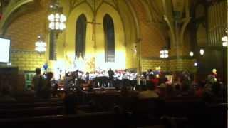 Coro del colegio St.Mel. Música africana. Make Music Chicago