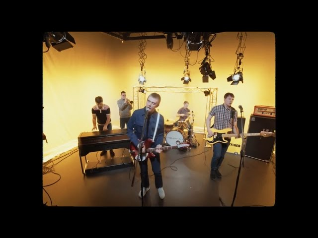 Videoclip de ''Move On'', de The Spitfires