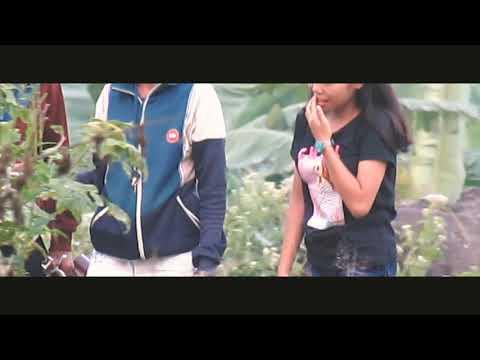 Download Video Ngintip 3 ABG Mojok Disemak Semak   Kelakuan Kid's Zaman Now