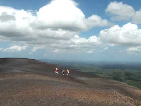 video of the summit of cerro negro volcano SIX with NicaEco.com