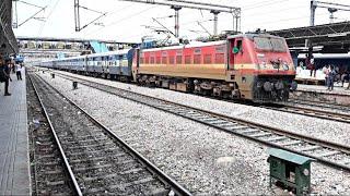 Amritsar Nanded Sachkhand Superfast Express skipping through Hazrat Nizamuddin Railway Station
