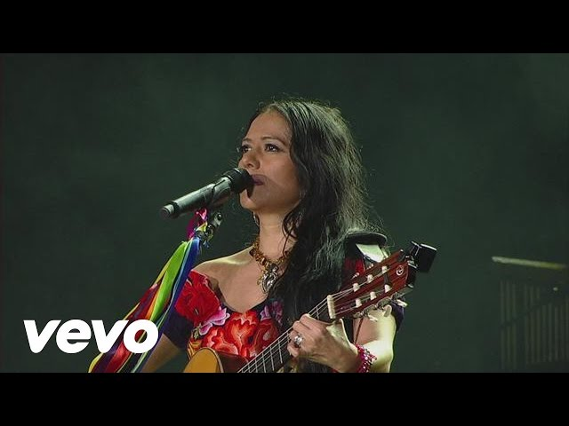 Video en directo de Lila Downs Paloma Negra