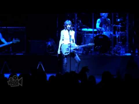 the-pretenders-middle-of-the-road-live-in-sydney-moshcam-moshcam