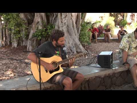 Jack Johnson Singing to Children \