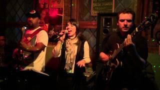 Raquel Pimentel cantando Vanessa da Mata - Ai, ai, ai - Bar do André