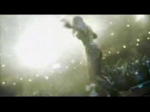 The Show Must Go On de Geraldine Larrosa Letra y Video