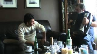 Saban I Zabe za stolom 02.(djelem djelem)