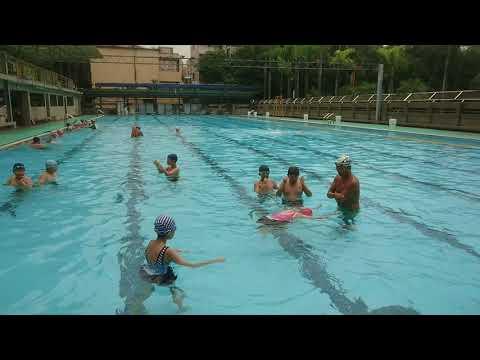 第三次游泳課 漂浮練習 - YouTube