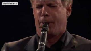 "Martin Fröst and VFCO play Giora Feidman ""Let's be happy"" (Klezmer tune) - Verbier Festival 2010"