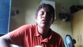 Menino tocando a música - Abraça-me do David Quinlan