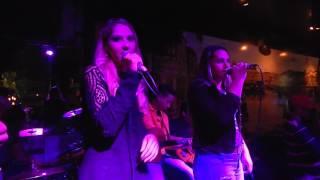 Suzana & Samara - To Bebendo de Torneira - Jesse James Pub