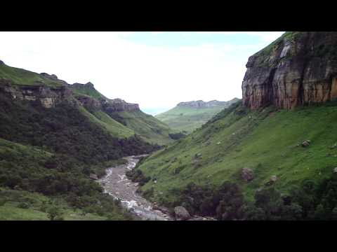 Hike to the bottom of Tugela falls