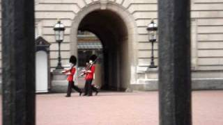 Guardas marchando