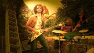 ULYSSES - Everybody's Strange - Official Video