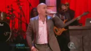 Pitbull I know U Want Me Hotel Room(Live)