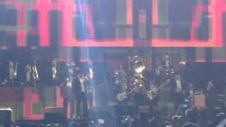 Ojitos Negros - Julión Álvarez Feat. El Coyote ( Mis Ídolos, Hoy Mis Amigos )