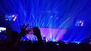 Enrique Iglesias - Heartbeat ft. Nicole Scherzinger ( live in Paris 2018 )