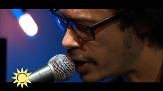 "Eagle-Eye Cherry spelar nya låten ""Remember to Breathe"" ur albumet ""Streets of… - Nyhetsmorgon (TV4)"
