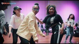 Gezelligheid bij de workshop! een korte playback video | SBMG - Laag/Boven ft. Latifah