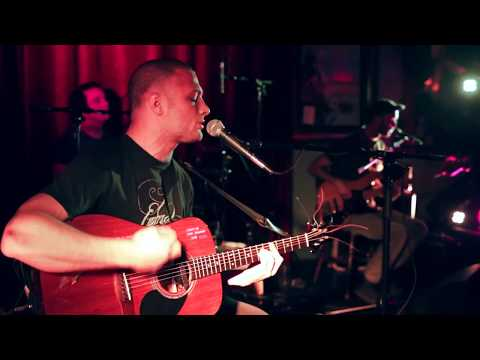 cosmo-jarvis-drop-it-live-at-barrel-house-totnes-cosmo-jarvis