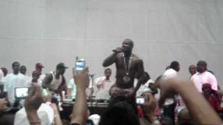 The Game - How We Do (Live At Envy Expo Show) LA 2005