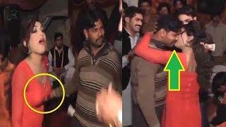 Pakistani  Village Recording Hot Mujra Dance