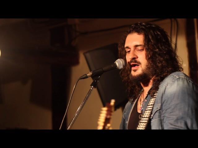 Vídeo de un concierto de Fran Fernández en Libertad 8.