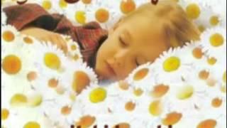 Minik Dualar  - Uyku Duası yattım sağıma döndüm soluma + sözler