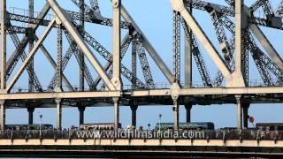 Rabindra Setu or Howrah Bridge: Kolkata landmark