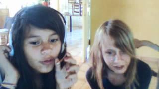 Vidéo de nina jolivet enregistrée à l'aide d'une webcam le  7 mai 2012 08:25 (PDT)