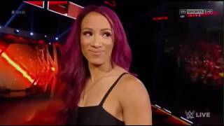 roman reigns and sasha banks sHe mv