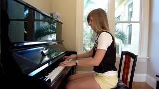 Lara plays GANGNAM STYLE on piano