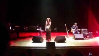 Vanessa da Mata canta Milionário e José Rico