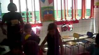 ana clara na sala de aula