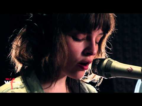 chvrches-the-mother-we-share-live-at-wfuv-wfuvradio