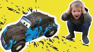 Mirik and Yarik Pretend Play Car Wash