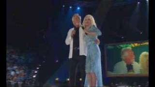 "Dolly Parton & Kenny Rogers ""Islands in the Stream"""