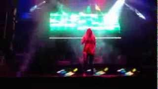 Edurne - Painkiller (Directo, Benidorm 04/08/13)