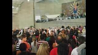 Santuario Mãe de Deus(Alexandre Pires canta sonda - me)02/11/2012