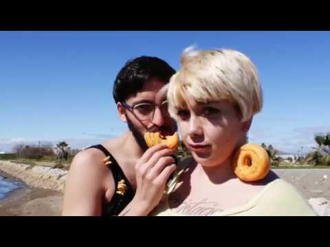 Comeme El Donut Ft Jirafa Rey de Lapili Letra y Video