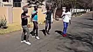 Learning how to do the Mi Casa Su Casa jika dance