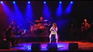 Καλλιόπη Βέττα- Ποιός την ζωή μου (live)