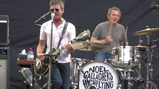 Noel Gallagher In The Heat Of The Moment London 2017-07-08 - U2gigs.com