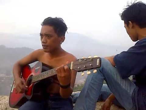 Download Video Saat Senja Di Tebing Gunung Hawu Padalarang