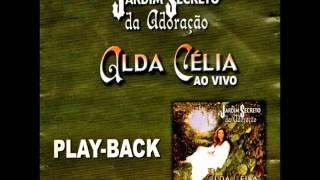 02. É Preciso Ter Fé (Play-Back) - Alda Célia