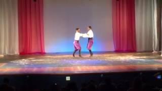 Suíte Clássica - Dança Russa - O Quebra Nozes - JM JAZZ STUDIO DE DANÇA
