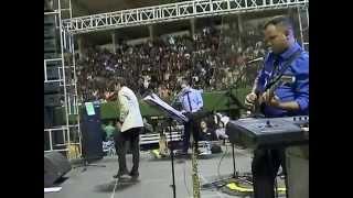 Cantó en Cienfuegos el músico salvadoreño Álvaro Torres