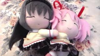 Homura & Madoka hug plush from Madoka Magica Movie collaboration with Lawson