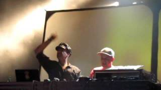 "Modeselektor LIVE: Bjork - ""Dull Flame of Desire"" Remix @ the El Rey, Los Angeles 9/23/10"